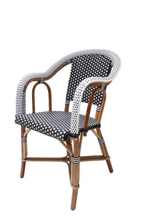 rotan-stoel-zwart-wit-armleuningen-zijkant-rechts